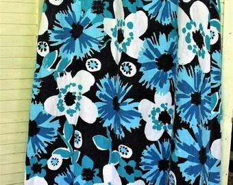 Vintage Linen 1990's Exotic Print Long Skirt/ Size Medium Elastic Waist, 100 Percent Linen/ Light Blue, White, Black Print/ Shabbyfab Thrift