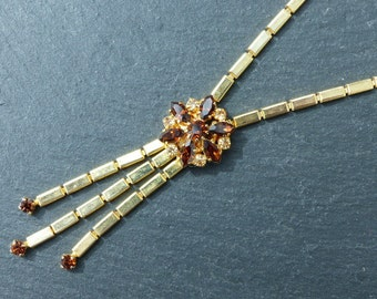 Vintage 1970s - Goldtone Lariat Necklace with Amber Rootbeer Diamanté Flower Detail