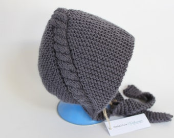 Hand knitted baby bonnet / / Hat retro baby