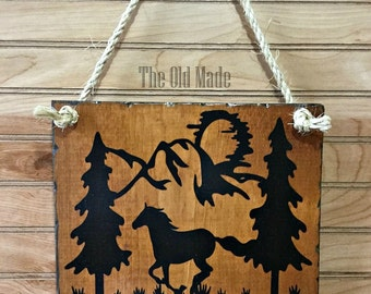 """Rustic Horse """"Welcome"""" Reclaimed Wood Sign"""