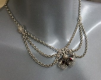 Silver costume necklace craw colored stones MK118