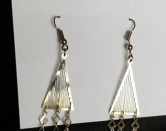 earrings hook w/ triangle dangles