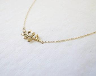 Leaf necklace - 14k gold