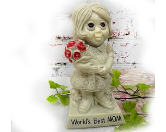 Russ Berry figurine - World's Best Mom - Mother's Day gift - R & W Berries - vintage Russ Berrie  - collectible figurine , # 76