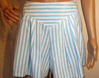 "Side Buckle Shorts Womens Shorts Auqa Blue & White Stripe Shorts size M Vintage Waist 26"" - 29"" size M"