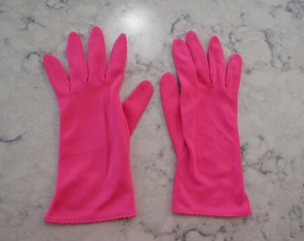 """Vintage 1950's Hot Pink 9"""" Nylon Wrist Gloves--Size 6 1/2 to 7---Auction #OO--0618"""