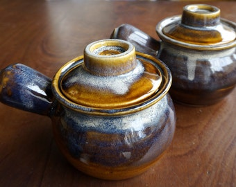Two vintage soup bowls with lids (for onion soup ?), beautiful glazing in blue - purple and brown, firm handles, great design, dripping lava