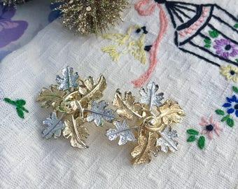 Vintage Leaf Earrings, Vintage Gold and Silver Leaf Earrings, Mid Century Earrings, Vintage Clip-On Earrings