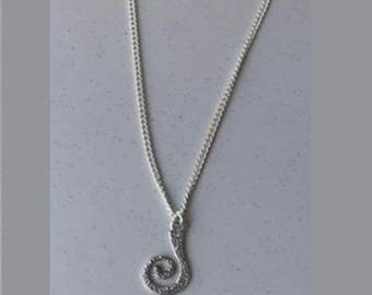 Associated with the interchangeable pendant KIT-LUDI silver chain