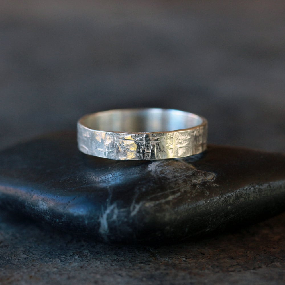 zoom - Norse Wedding Rings