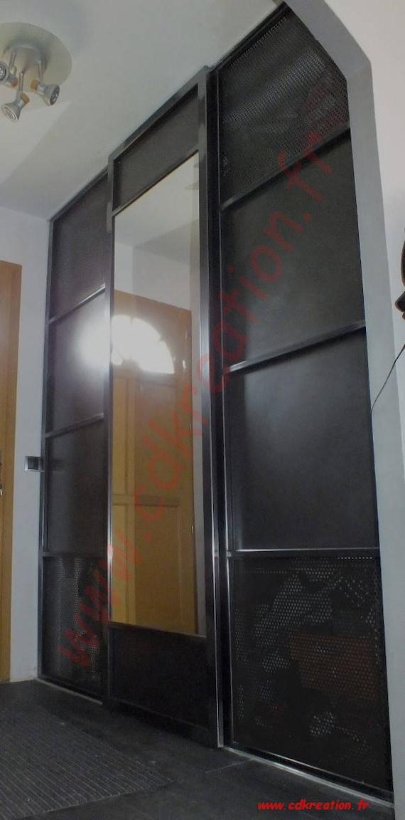 Porte De Placard Coulissante Sur Mesure Au Style Industriel En - Porte placard coulissante jumelé avec portes sécurisées