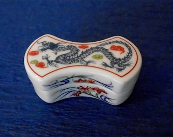 Del Prado Collection, Fine Porcelain, Hand Painted Pill Box Trinket Box, Design of Oriental Blue Dragon, Japanese Kyo-Yaki Edo Style
