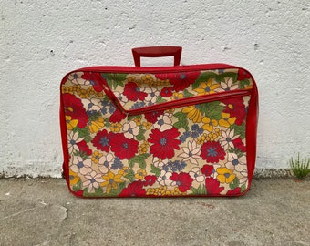 """19x13"""" flower floral overnight suitcase luggage travel bag vintage 1970s 1980s green hippy zipper funky print pattern all over"""