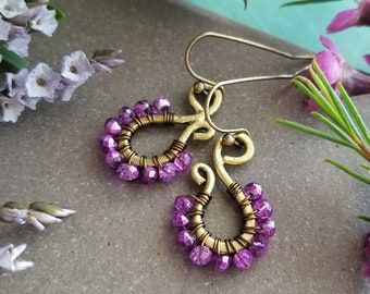 Orchid Purple Paisley Earrings >>  Petite Scroll Drop Earrings in Brass with Bright, Pinkish Purple Crystals >> Boho Style