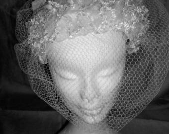 1950s White and Ivory Bridal Hat/Fascinator with Birdcage Net Veil and Chiffon Bow