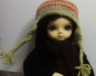 Crocheted earflap hat with pompom, for 1/6 scale bjd.