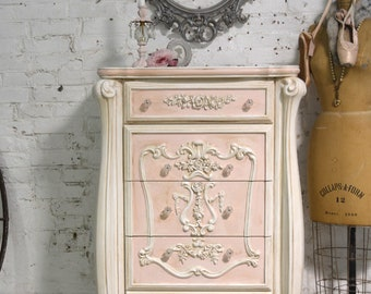 Painted Cottage Chic Shabby Romantic French Dresser / Chest CH952