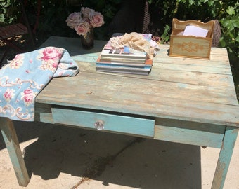 Vintage table table chippy aqua painted shabby chic prairie cottage chic