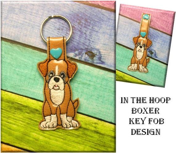 IN der Hoop-Boxer Schlüsselanhänger Stickmaschine entwerfen