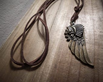 Bronze Indian mixed feathers leather necklace