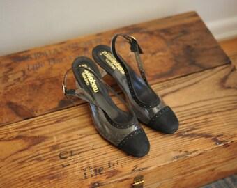 Vintage California Magdesians Clear Vinyl & Black Fabric Cap Toe Heels, Womens 6 / ITEM270