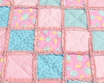 Baby Rag Quilt, Giraffes! Handmade Pink and blue blanket, baby shower gift, girl rag quilt, nursery rag quilt, crib blanket, flannel blanket