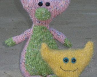 Fred and Murgatroy PDF Knitting Pattern