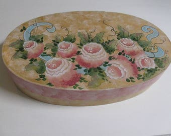 Decorative painted box with Roses
