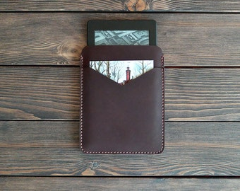 Kindle Paperwhite leather case. Reader leather sleeve. Dark brown color.