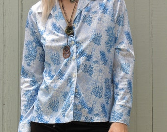 Super 70s Blue and White Floral Button Up Collared Shirt