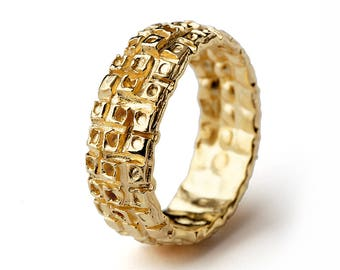 HONEYCOMB Gold Wedding Ring, 18k Gold Wedding Band for Her, Unique Wedding Band for Men for Women, Wide Wedding Band Gold