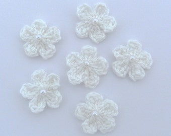 Crochet applique, 6 small white crochet flowers, cardmaking, scrapbooking, appliques, handmade, sew on patches embellishments