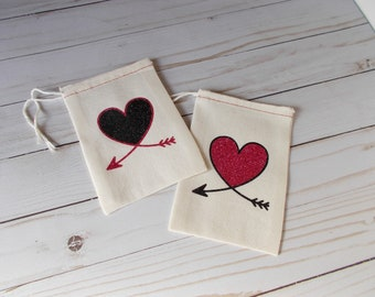 Arrow Heart Favor Bags, Custom Pouches, Set of 2 Glitter Bags, Rustic Wedding Guest Favors, Hotel Welcome Bags, 4x6 Muslin Bag