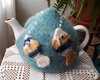 The Goldfishbowl (Gullfiskaskálin): Tea cosy (Tehetta(