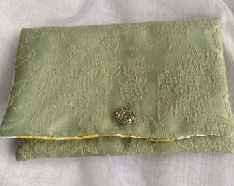 Pretty green clutch