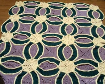Crochet double wedding Ring quilt