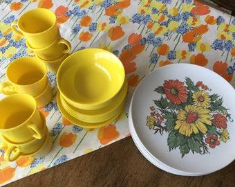 Vintage Texas Ware set of 44 pieces, retro, mid century, bright yellow, orange and green