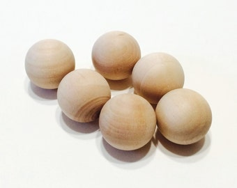 """25 Round Wooden Balls - 7/8""""  Wood Balls"""
