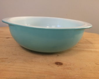 Very Rare Pyrex Turquoise Baking Dish // Vintage Mid Century Modern Light Aqua Robin's Egg Blue Casserole Dish 024 2 Quart