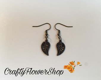 Leaf charm dangle earrings