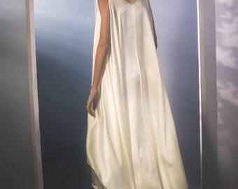 Women's Ivory Flowy Silk Dress with sash, size medium