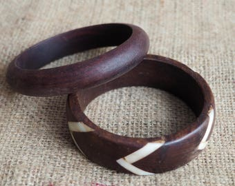 A Vintage Pair of Wooden Bangles Wooden Bracelets Costume Jewellery  Retro boho Vintage Bangles Wooden Jewellery