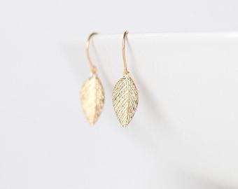 Sweet Petites - little golden leaf earrings