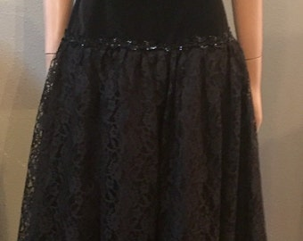 Totally 90's black formal dress with lace and sequin / size 8