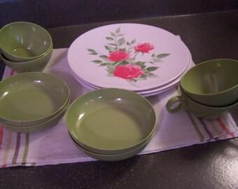 Vintage 1950s Melmac / Melamine Dishes MCM Pink Roses Plates Cups & 1950s melamine | Etsy