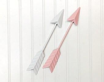 Arrow Wall Decor/White Arrow/Bohemian/Boho/Metal Arrow/Bohemian Decor/Arrow/Arrows/Tribal/ Indian/ Southwest/Arrow Art/Trendy/Boho