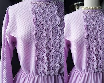 50s 50's 1950s Vintage 60s 60's 1960s Vintage Lavendar Violet Purple Dress Full Skirt Crocheted Lace Stipes Fit and Flare Medium