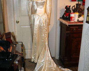 Vintage 1940s Candlelight Satin Wedding Dress Gown Eggshell Long Pointed Sleeves Hollywood Regency Train Burnt Out Design