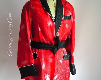 Vintage Men RED Smoking Jacket Robe / size 36 38 40 Chest / Prom PIMP PARTY Embroidered Satin 1970s Playboy Black Quilted Collar