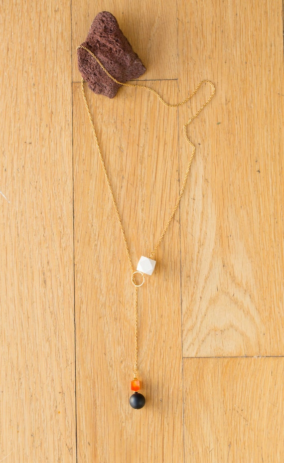 Black Agate & Carnelian Lariat Diffuser Necklace with Oil Blend Combo (Gold)